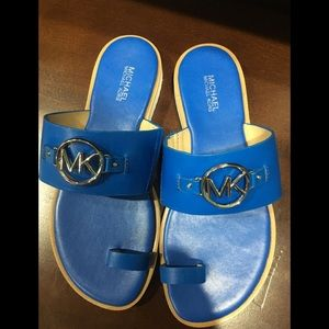 New w/out box blue Michael kors flip flops